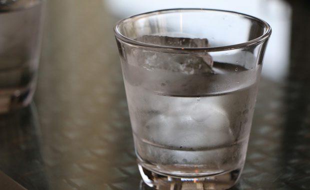 水分補給でカラダがホカホカ♡血液をサラサラにする水分のとり方とは?