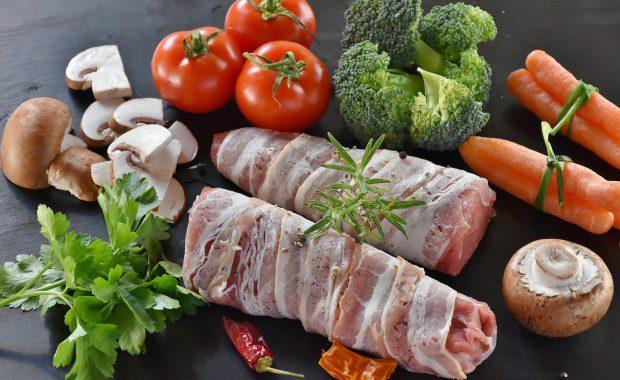 こりやむくみは食事で改善!積極的に摂りたい栄養素とは?