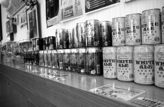 記念すべき20周年の歴史を経た『ヘリオスビール』。県外の沖縄料理店で見かける機会も多い