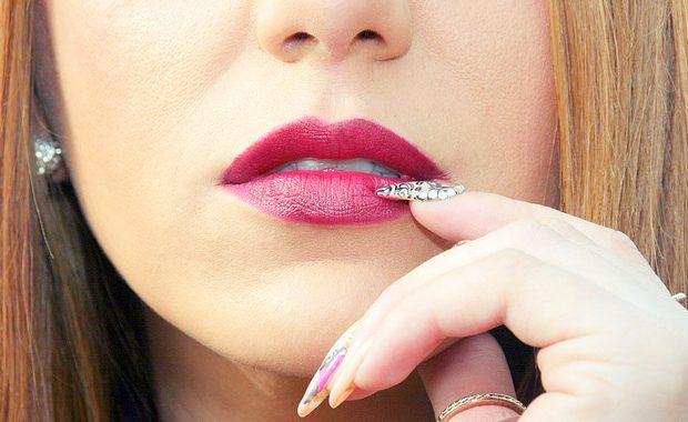 うるうるの唇は言葉づかいを美しくする