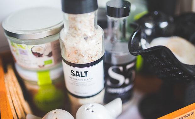 本当は怖い食品添加物、うま味調味料、農薬
