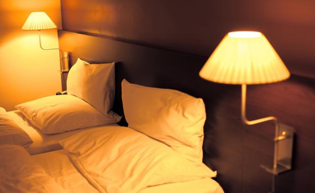 カーテンや照明選びで覚えておきたい光と眠りの関係