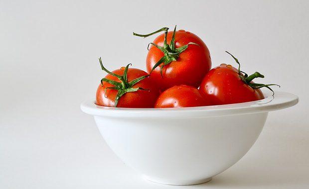 買う前に要チェック!ある種類のトマトを食べたら不健康になった!