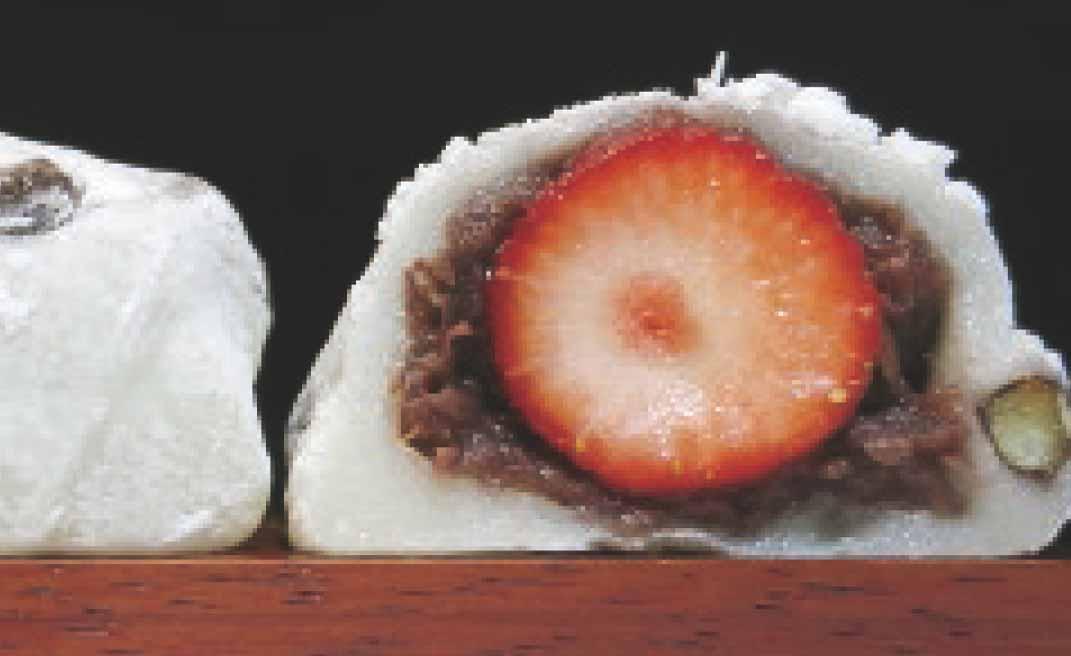 大福界の両雄「いちご」と「豆」夢の競演 大角玉屋の「いちご豆大福」