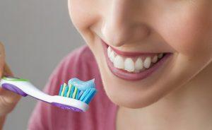 輝く白い歯で好印象♡しっかり続けたい歯のメンテナンス