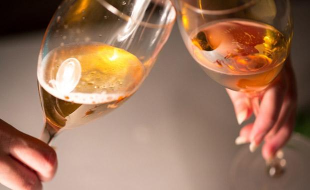 これさえ抑えておけばOK!意外とシンプルなワインのマナー