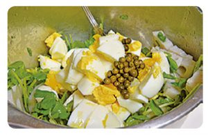 レンコンと豆苗の卵サラダ4