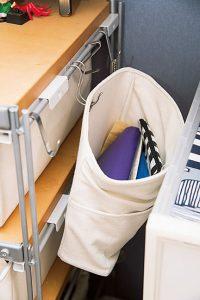 いつもバッグに入れる財布などは必ずここに戻す